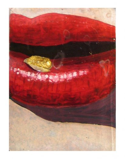 Lips III, 2005. Oil on aluminium pill packet with empty, painted capsules coated in gold leaf. Cast in fibreglass on perspex. 17 x 19.5cm.